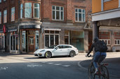 Driving through Aarhus with professional race car driver Christina Nielsen and a Porsche Panamera E-Hybrid - Markus Altmann