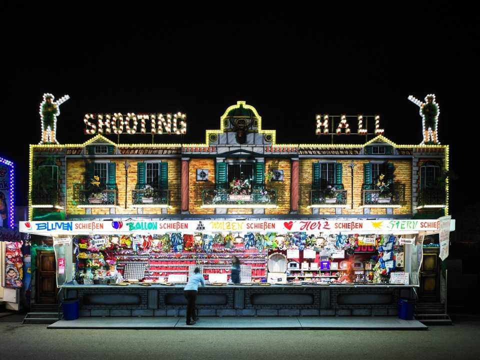 Fun Fair 08 Shooting Hall von Victor S. Brigola